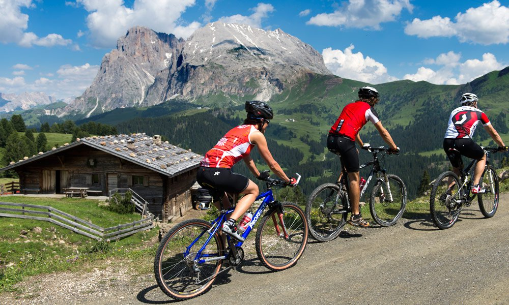 A special experience: A bicycle holiday Alpe di Siusi
